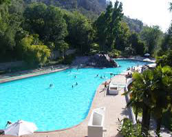 How can Residents of Moreno Valley Benefit from Pool Cleaning Services